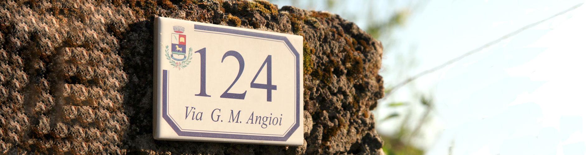 Numero civico personalizzato con stemma comunale e Via